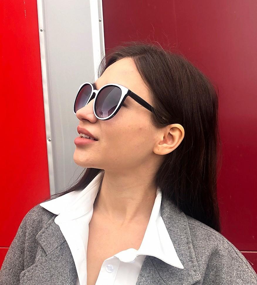 изображение женских очков белого цвета